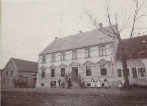 Der Röhlsche Hof - Erlebnisbauernhof in Wallwitz Sachsen-Anhalt - Geschichte I